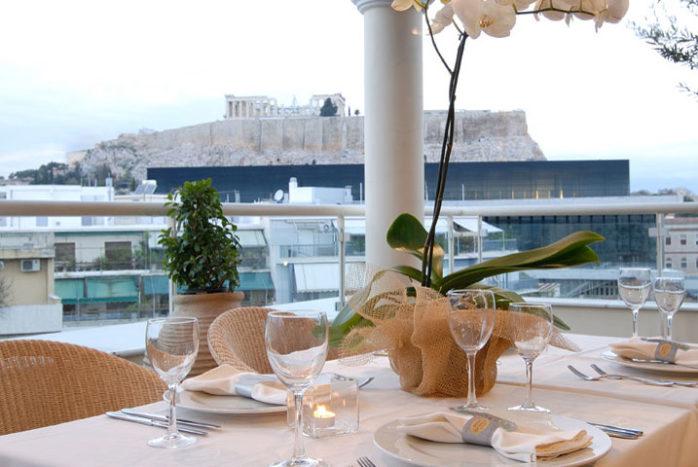 Hotel Hera bietet eine hervorragende Lage am Fuß des Akropolis-Hügels und eine mit dem Aufzug erreichbare Dachterrasse