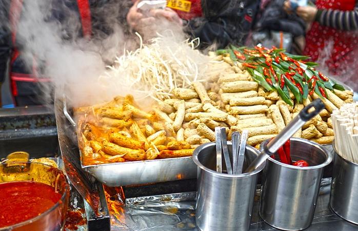 Street Food auf dem Wochenmarkt