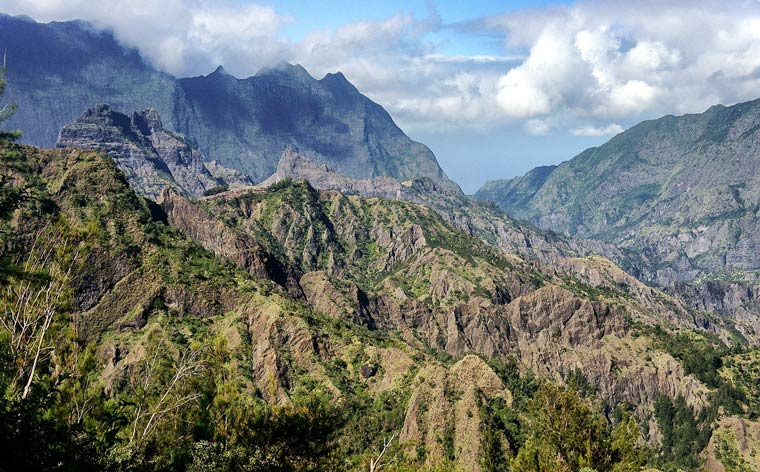 Die Insel von Réunion: 10 Tage auf einer vielseitigen und wilden Schönheit