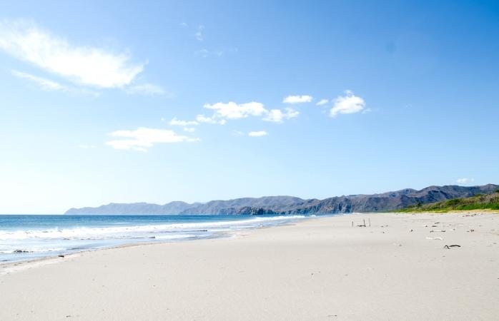Der schöne Strand Playa Naranjo im Nordwesten von Costa Rica