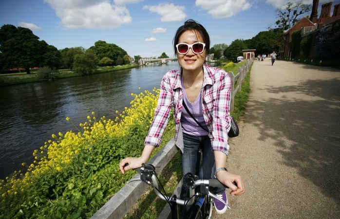 Lass die Stadt hinter dir und genieß eine ländliche Radtour an der Themse