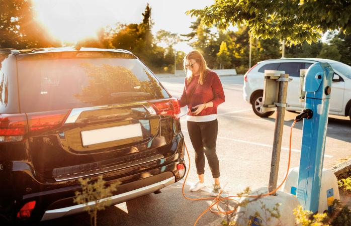 Strom kostet einen Bruchteil des Benzinpreises
